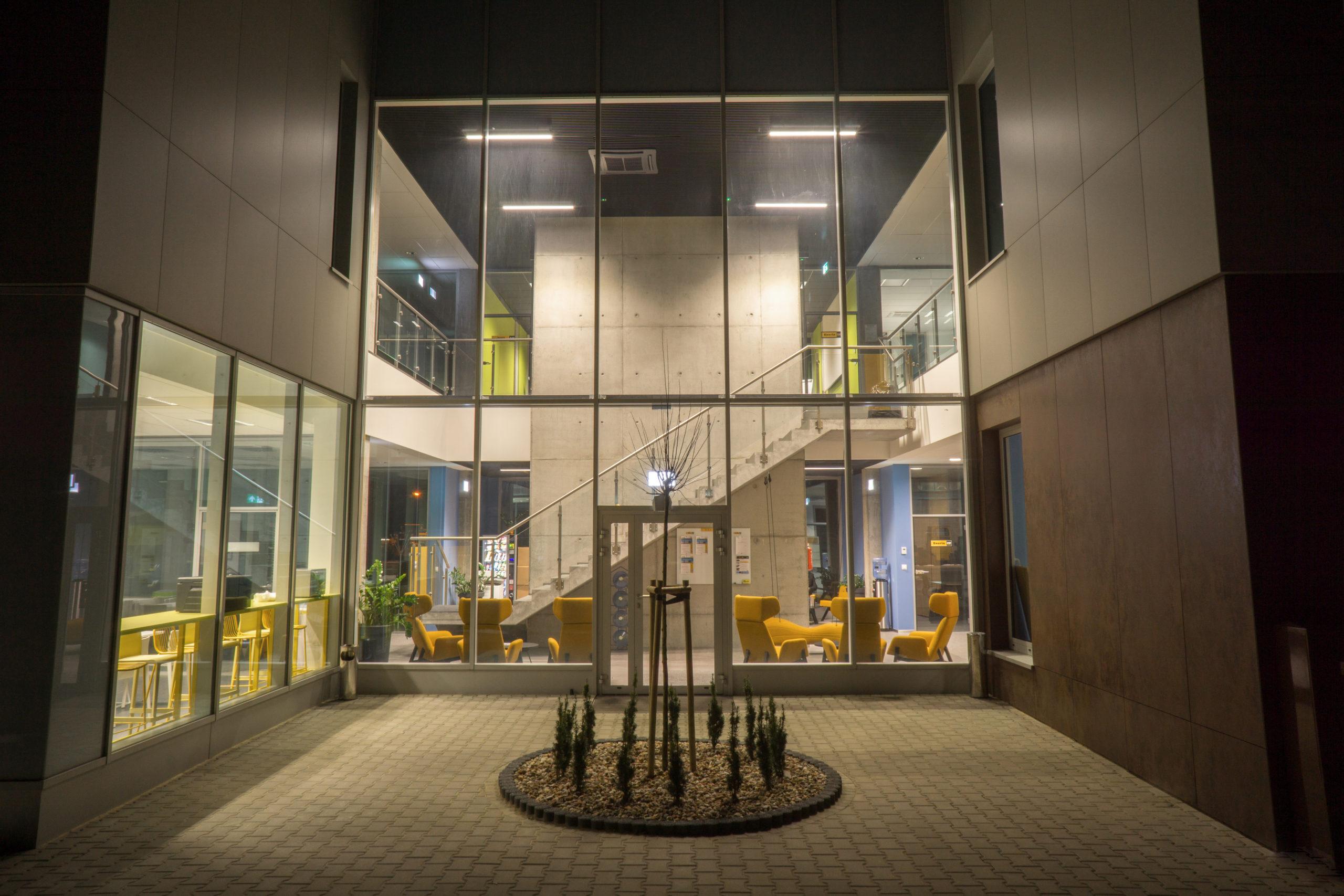 bergerat monnoyeur, budynek biurowo-serwisowy, caterpillar, patio, architekt katowice