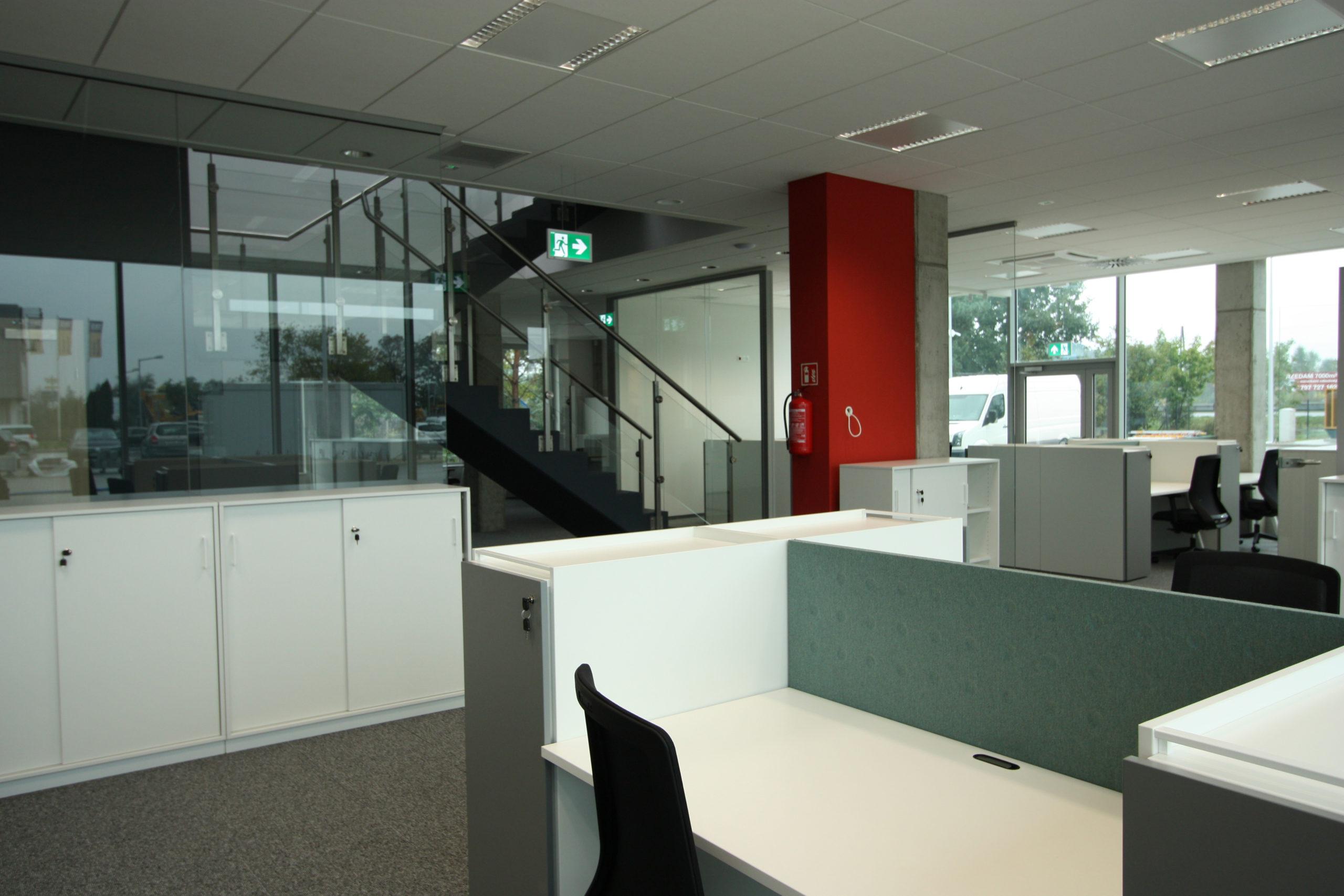 bergerat monnoyeur, budynek biurowo-serwisowy, wnetrze, caterpillar, biura, architektura