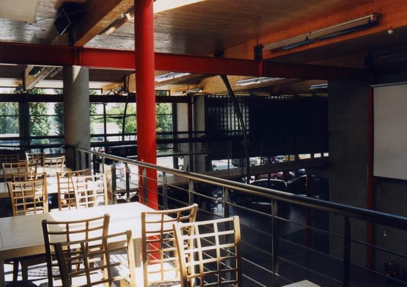 salon toyota, michal goli centrum, restauracja tadayuki, katowice, stal, beton, sztuka